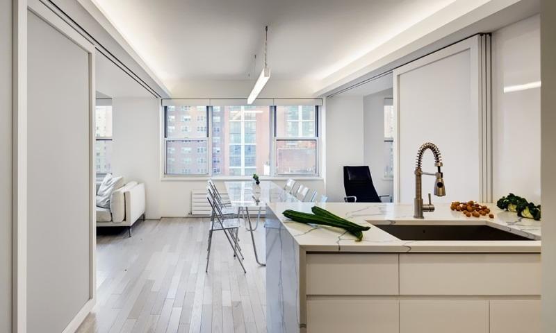 Thiết kế căn hộ nhỏ ở Mỹ gam màu lạnh nhưng lại rất ấm cúng